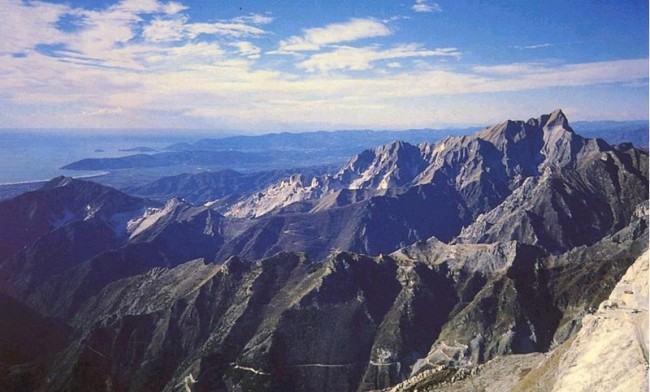The Apuan Alps in all their majesty.