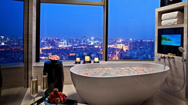 Inspiration baths with a view the perfect bath for Bathrooms in nyc